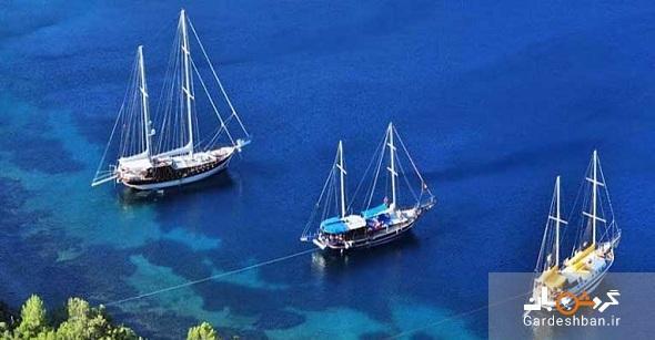جزیره کارا آدا یا جزیره سیاه در بندرگاه بدروم، عکس