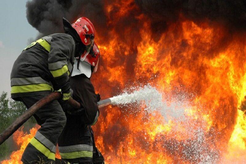 خبرنگاران آتش سوزی در انبار حاوی 250 کپسول گاز مایع خوی