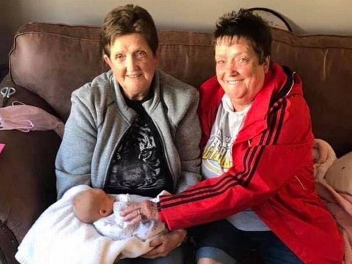 مرگ خواهران دوقلوی 66 ساله بریتانیایی از ویروس کرونا