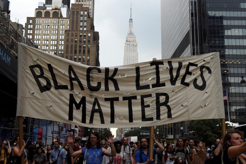 جو بایدن از حمایت بالای فعالان ضد نژاد پرستی در آمریکا برخوردار است